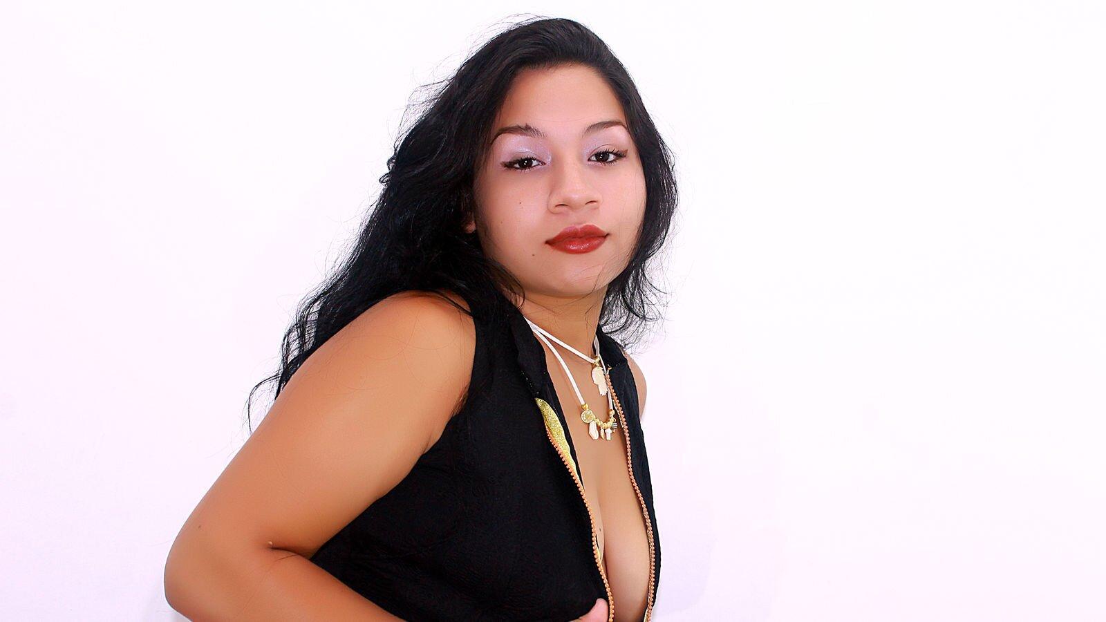 NicoleBlondie